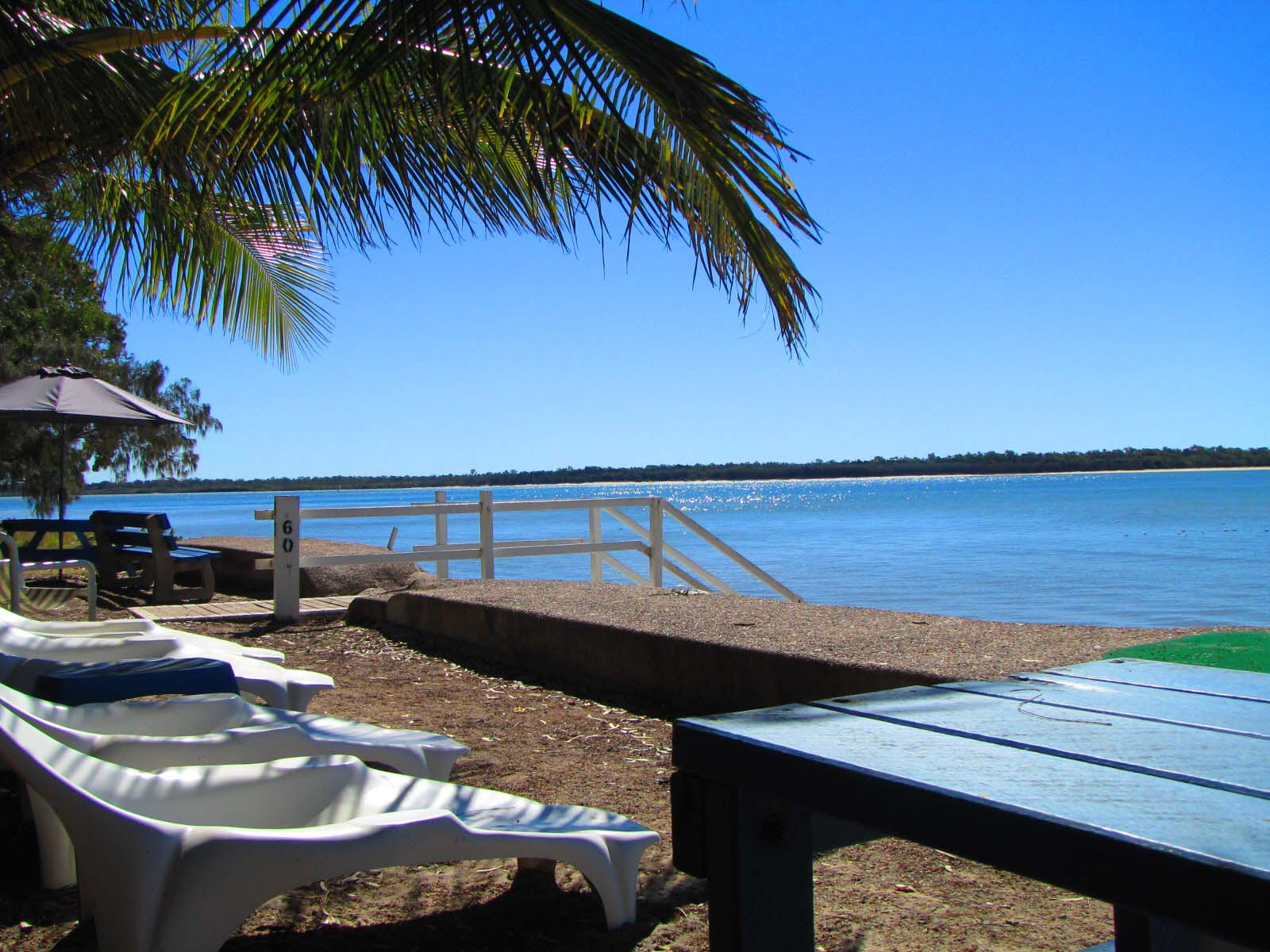 burrum_sands_deckchairs